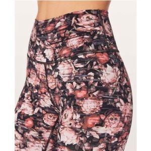 AWESOME! Lululemon Nulux leggings. Size 8